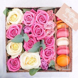 7 макарун с розами